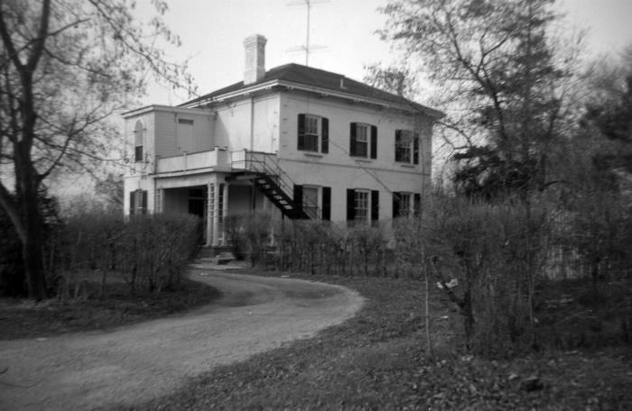 John Perkins Bull House, 450 Rustic Road, North York, built 1844, in 1964 photo by Pat Hart (NYHS photo)