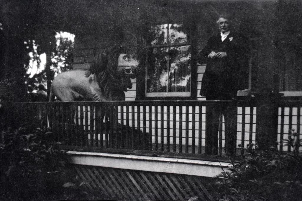 Reverend Thomas W. Pickett on the verandah of the Golden Lion Hotel, 1920 (Photo: Lorna Gardner, courtesy Toronto Public Library)