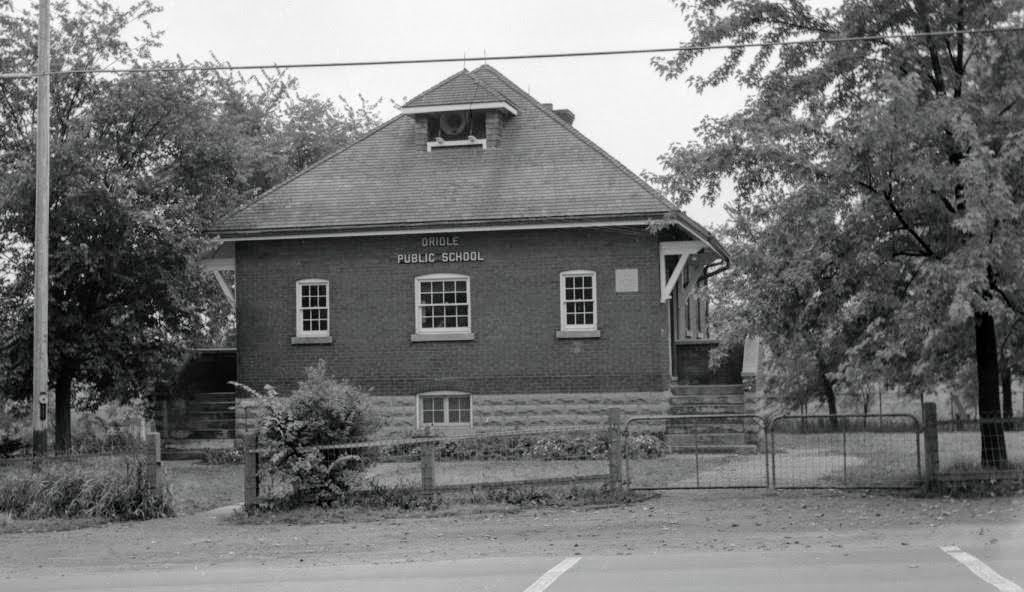Oriole Public School in September 1956, Sheppard Ave. E, south side, between Provost Dr. and Old Leslie St. (Photo by James Victor Salmon courtesy Toronto Public Library)